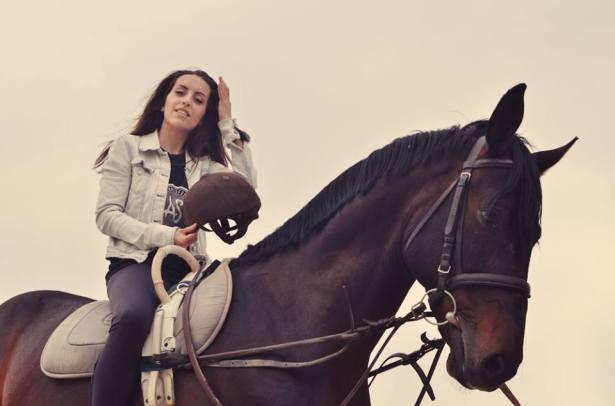 Моя родная сестра Georgeta уже на коне!!! Это отличный Знак!!! И-го-го! О-го-го! :D