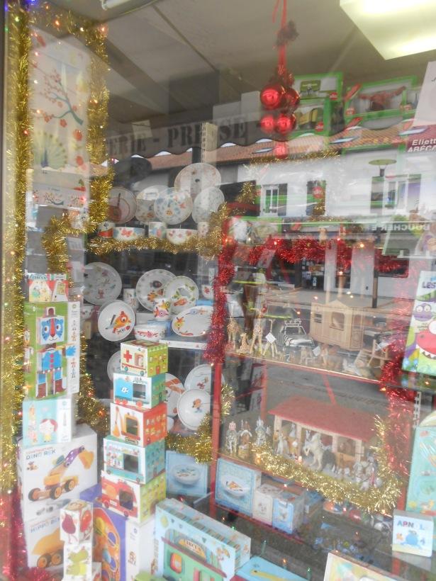 Kalicia: libraire-papeterie-presse-jouets-cadeaux