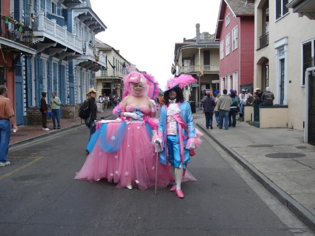 Главное действо «Марди Гра» разворачивается во Французском квартале (Vieux Carre) на Бурбон-Стрит.
